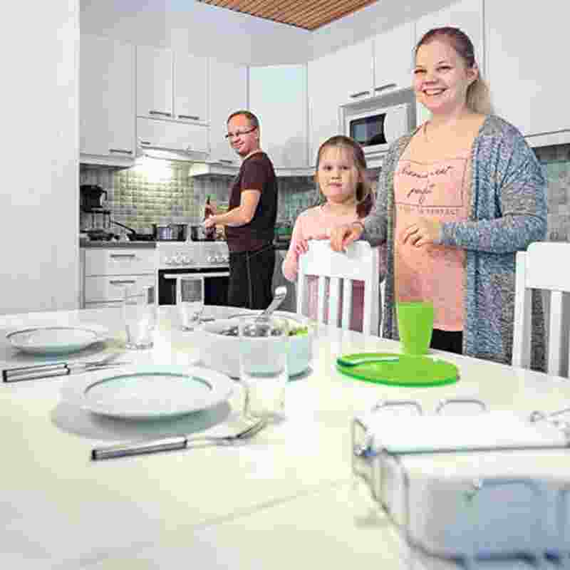 465_465_family in the kitchen.jpg