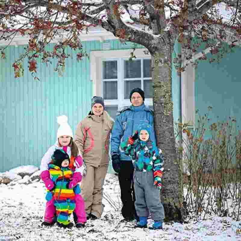 465_465_family outside.jpg