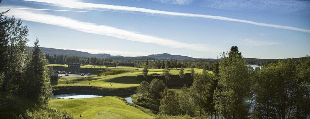 Hål 18 på Åre golfbana - boka vårt golfpaket i sommar!