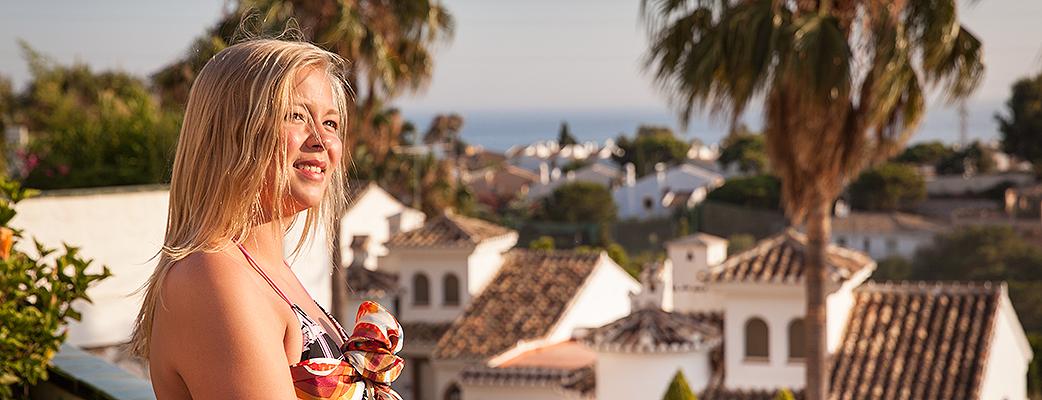 Valitse Costa del Sol kun haluat merta edemmäs lomaan.
