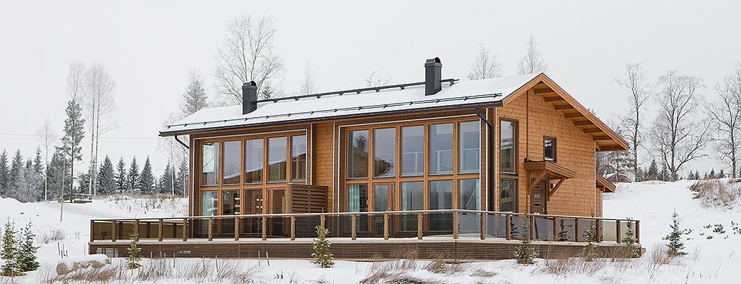 В апартаментах Aurinkopaikka имеются две спальни и просторный лофт.