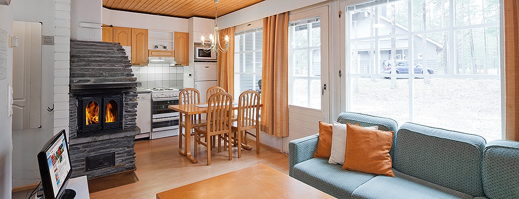 В стоимость проживания в апартаментах Holiday Club входят постельное белье, генеральная уборка и дрова для камина.