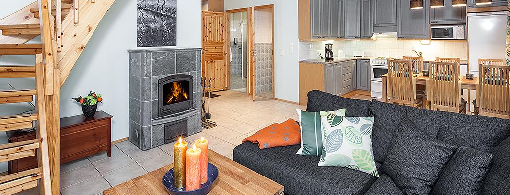 Kоттеджи Кatinkulta Residence великолепно подходят для отдыха больших компаний. Помимо просторной гостиной и кухни-столовой в коттедже имеются три спальни.