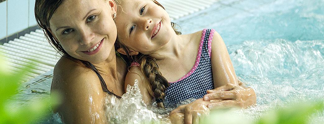 Katinkullan kylpylässä viihtyy koko perhe.