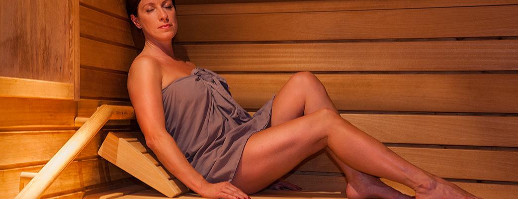 В мире саун вы обретете покой и почувствуете умиротворение. Центральное место в многообразном мире саун Holiday Club Katinkulta занимают традиционная финская сауна, паровая баня и расположенная на улице баня «по-черному» с купелью.