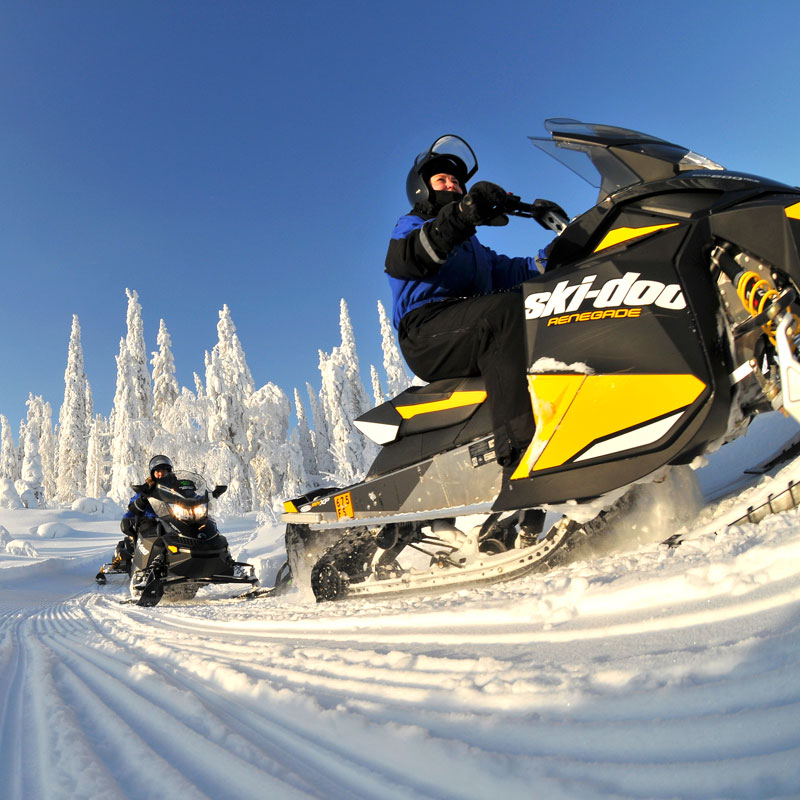 Snowmobile safaris, snowshoeing, husky rides and ice skating trips
