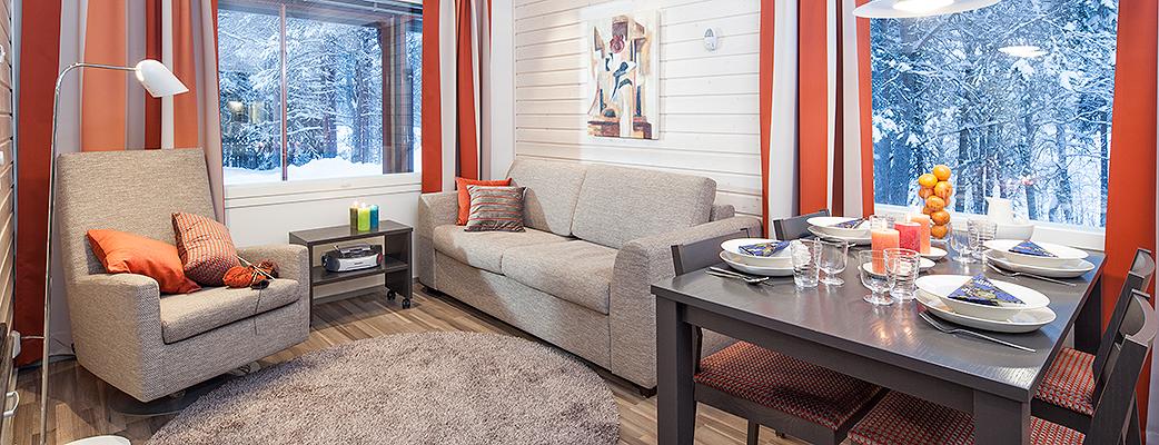 Kuusamon Tropiikin uusien loma-asuntojen tehoneliöihin sisältyy kaksi makuuhuonetta, olohuone ja avokeittiö, saunallinen kylpyhuone ja oma terassi.