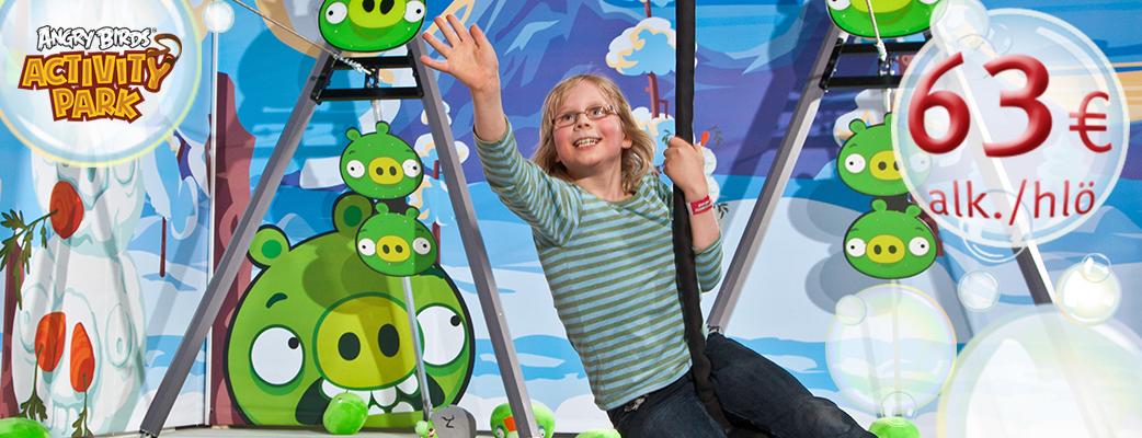Sukella kylpylään ja temmellä Angry Birds Activity Parkissa