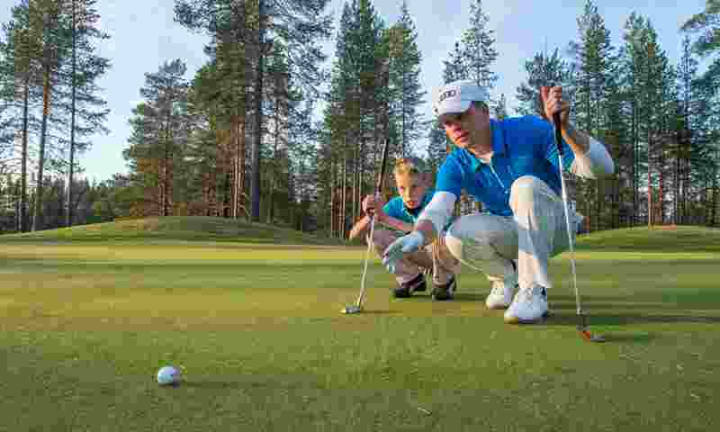 kuusamo-golf-man-and-boy-hor.jpg