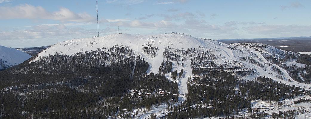 Tiesitkö Pyhästä, että: rinteiden korkeusero on 280 metriä, huippu on 500 metrin korkeudessa ja pisin rinne on 1 800 metriä? Kyllä kelpaa!