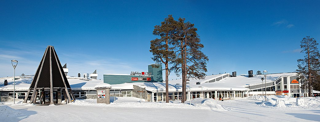 The Holiday Club Spa Hotel is a landmark in the centre of Saariselkä.