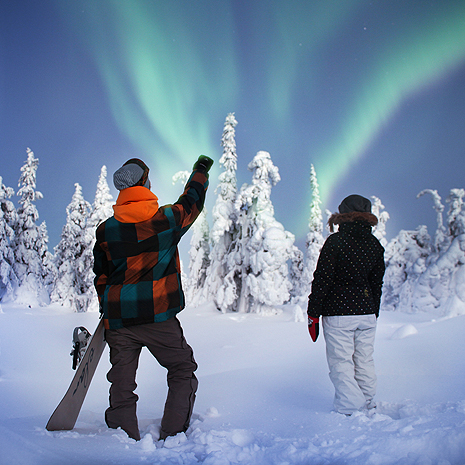 ruka-two-kids-northern-lights-squ.jpg