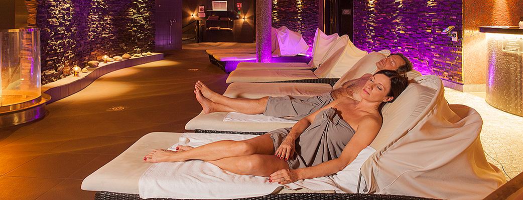 Rauhallinen Saunamaailma sijaitsee Cirque de Saimaa -kylpylän toisessa kerroksessa.