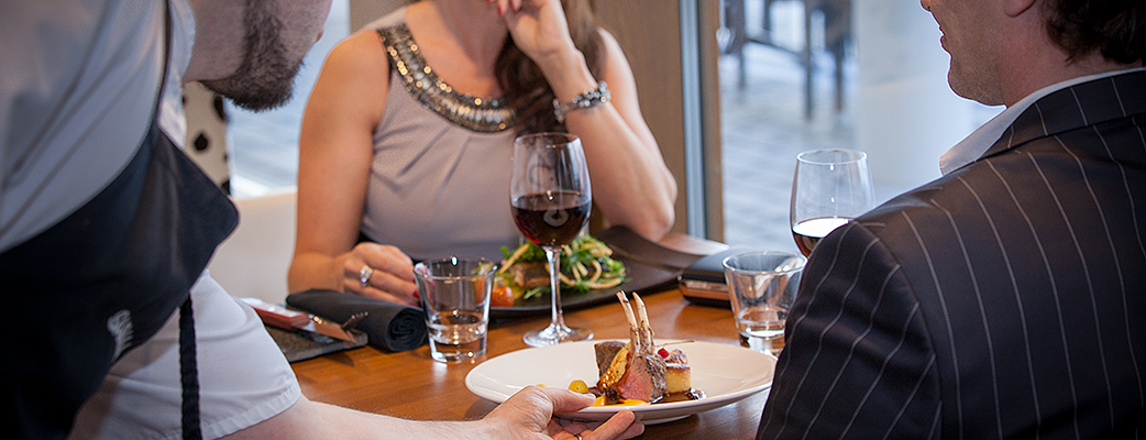 Le Biff -ravintolan Jospersin puuhiiligrilli takaa mehevät pihvit ja puuhiiligrillin aromit.