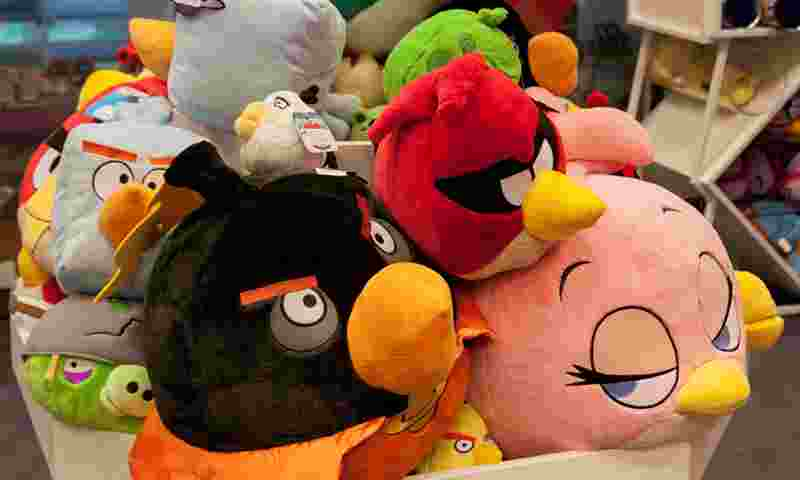 holiday-club-angry-birds-shop-hor.jpg