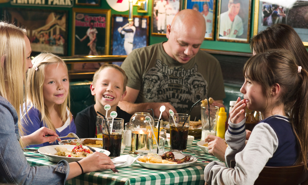 family eating in olearys hor.jpg