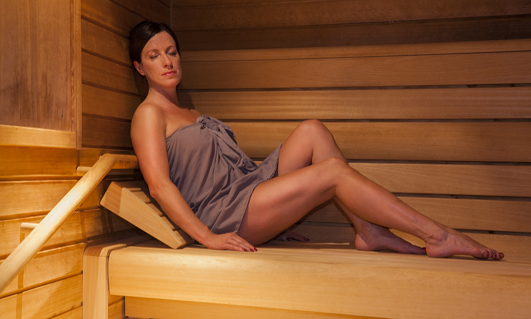 ylin hieronta alasti
