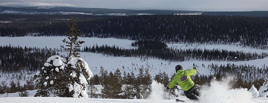 I Salla kan du delta i skid- eller snowboardundervisning. Här har du plats och tid att träna i din egen takt.