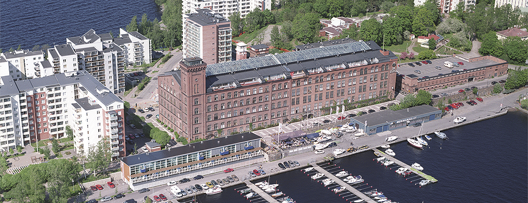 I det gamla bomullsspinneriet finns ett spa, möteslokaler och en del av semesterbostäderna. Lägenheterna Näsijärven Kimallus ligger vid stranden. Den höga hotellbyggnaden finns bakom huvudbyggnaden.