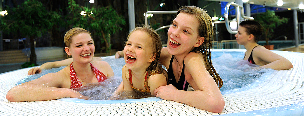 These spa smiles are sure to come after a happy day at the nearby Särkänniemi Adventure Park.