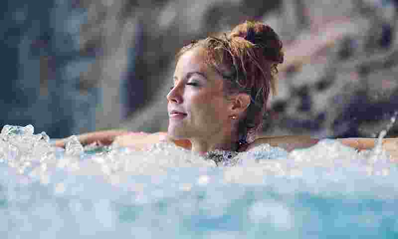 tampere-woman-relaxing-in-spa-hor.jpg
