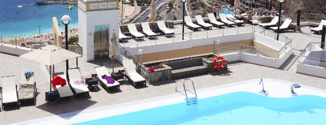 Med gångavstånd till livliga barer och bara en kort promenad från stranden Amadores finns här mycket att göra om du söker mer än att bara vila och sola vid anläggningens pool eller den lyxiga bekvämligheten i din lägenhet.