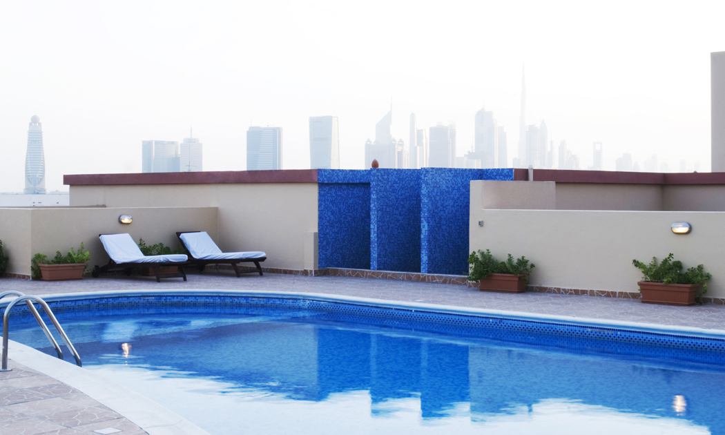 dubai-roof-pool-hor.jpg