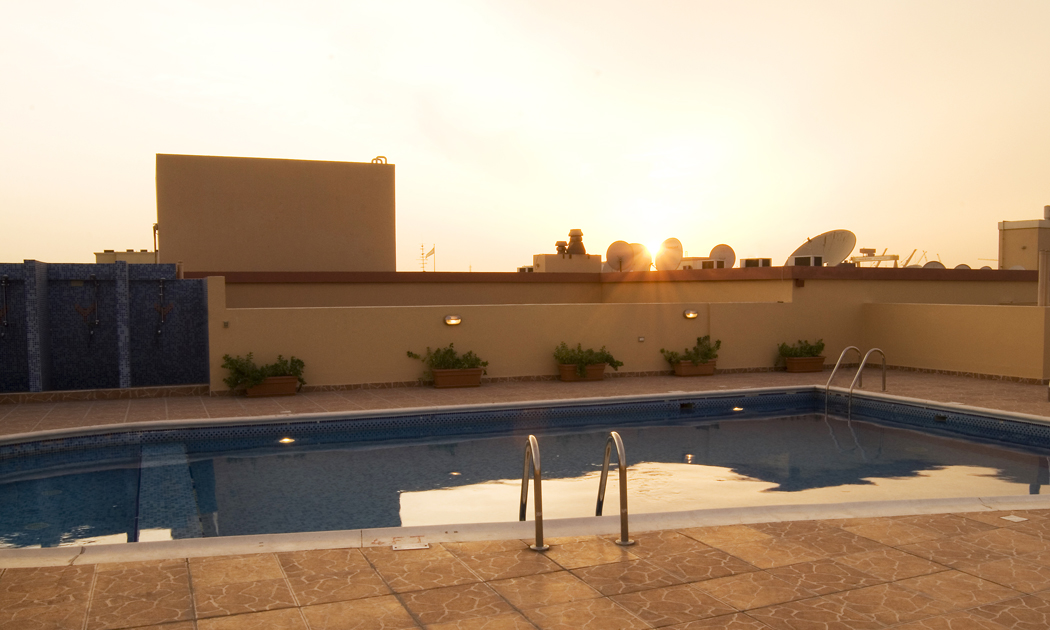 dubai-roof-pool2-hor.jpg